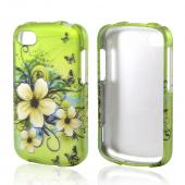 White Hawaiian Flowers on Green Rubberized Hard Case for Blackberry Q10